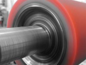 Movimentazione merci: i rulli gommati tra i più scelti per i nastri trasportatori