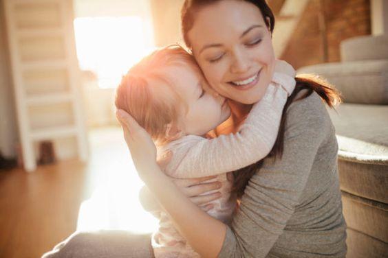 Poesie per la festa della mamma: ecco le più famose e belle da dedicare