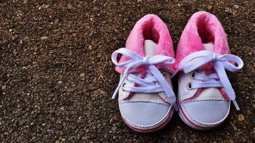 Scarpe da bambina: dove trovare i migliori modelli risparmiando